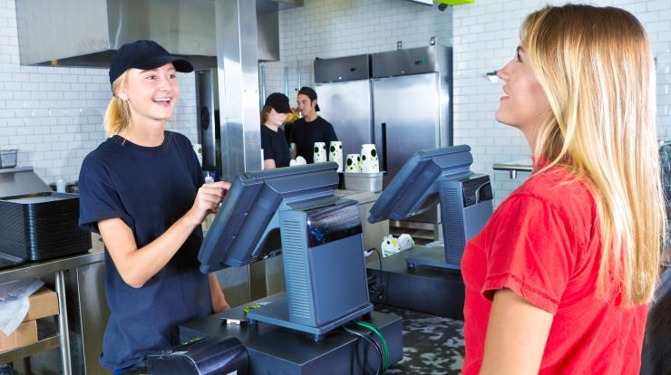 teen restaurant worker