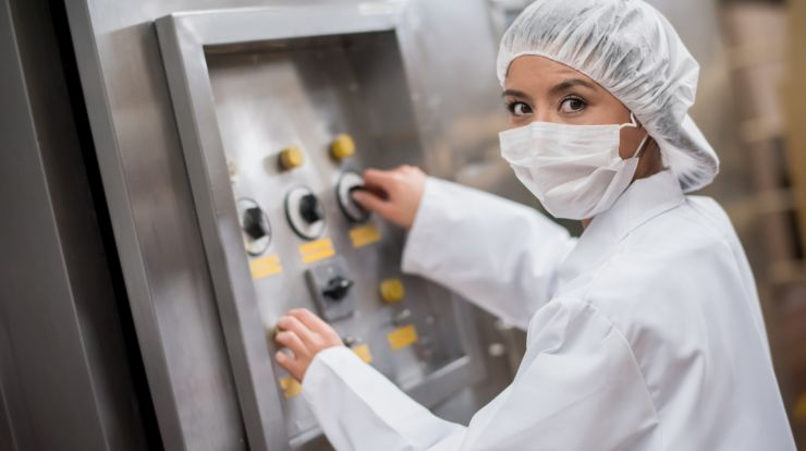 packaging and filling machine worker