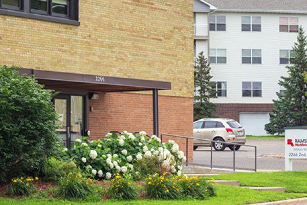 North St. Paul CareerForce Location (exterior)